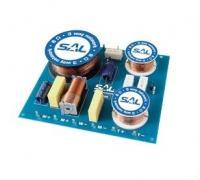 SAL  hangváltó  HV 328 .  A készülék terhelhetősége 200 W, levágási meredeksége 12 db/oktáv. A  hangváltó  500 Hz/3.000 Hz keresztezési frekvenciával rendelkezik. Átkapcsolható kimeneti szintje közép: 0/-2 dB, magas esetben: 0/-3 db.