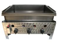 A Gáz-Grill PB-gáz üzemű asztali lángossütő készüléke háromégős kivitelű. A gyors és biztonságos piezoelektromos gyújtással és termoelektromos égésbiztosítóval. Tömlőcsővel és szabályzóval szállítva. A Gáz-Grill PB-gáz üzemű asztali lángossütő  acélserpenyővel készült, melynek méretei: szélesség 580 mm, hosszúság 460 mm, magasság 150 mm.