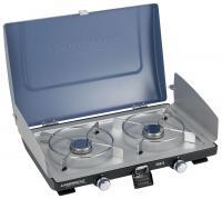 A  Campingaz 200- S kemping tűzhely ( gázrezsó ) teljesítménye 2 x 2,1 kW. Xcelerate technológiája csökkenti a légellenállást, így a felére csökkentheti a főzési időt.PB-gáz palackkal tudja üzemeltetni ezt az asztali gázrezsót , melyet magával vihet piknikezések, kempingezések alkalmával is, mivel könnyedén elfér az autó csomagtartójában. A készülék 2 égővel rendelkezik és hagyományos gyújtással tudja működtetni. A kemping gáztűzhely szélessége 52 cm, hossza 36 cm, míg magassága csukott állapotban 12 cm. A gázfogyasztás értéke 2 x 155 g/óra, működési ideje 5 kg-os palack használata esetén 16,5 óra. A gázrezsó szükséges forrási ideje kültéren 20 perc. Összecsukható terelőlapjai, megvédik a lángot. A  gázrezsó  fedele festett kék acél.