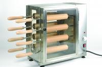 Az elektromos kürtőskalács készítő gép egyszerre nyolc kürtőskalács elkészítésére alkalmas. Középre helyezett, nagy teljesítményű fűtőszálakkal felszerelt.Maximális üzemi hőmérséklete ~ 300 °C. A kürtőskalács készítő gép rozsdamentes acélból és hőálló üvegből készült.Tartozéka 8 db sütőhenger és a sütőhengertartó állvány. A kürtöskalács sütő henger teljes hossza 600 mm, amelyből 250 mm hosszú a fa rész, amire a tészta tekerhető. Átmérője 60 mm. Négyállású kapcsolóval rendelkezik: