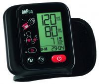 Braun csuklós  vérnyomásmérő  BBP 2200CEME . Ezzel a készülékkel könnyedén leellenőrizheti otthonában is vérnyomását. Ebben még segítségére lesz továbbá az egyszerűen leolvasható, nagy kijelző, mely az alacsony elemállapotot is  mutatja. Ábrás útmutató is a segítségére lesz Önnek, a kijelző mellett.    A készülék nem csak a vérnyomást,  hanem a rendellenes szívritmust is mutatja. Ez a  vérnyomásmérő  ESH (European Society of Hipertension) hitelesítéssel rendelkezik. A vérnyomásmérő hónap, nap kijelzésekkel és átlagszámítás funkcióval ellátott, továbbá 90 mérés memorizálására  képes.