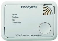 A  Honeywell  XC70-HU-A szén-monoxid vészjelző   vezeték nélkül telepíthető,  7 éves élettartammal  és  7 év jótállással  rendelkező riasztó készülék. Kiválóan használható háztartási környezetben, valamint pl. lakókocsiban, hajóban is. A szén-monoxid érzékelő alkalmazható szabadon állóan, vagy falra, mennyezetre rögzítve is.    A CO riasztó a szén-monoxid veszélyessé váló mértékben és ideig való jelenlétére figyelmeztet. A készülék akkor riaszt, ha egy adott időn keresztül folyamatosan egy bizonyos szén-monoxid koncentrációt észlel. 60 percenként önellenőriz. LED állapotjelzői: riasztás, hiba, szellőztetés, tápellátás.      A  Honeywell  XC70  szén-monoxid riasztó  rongálásbiztos, a beépített akkunak köszönhetően. A zárt burkolat elősegíti a környezeti körülmények elleni védelmet.  A vészjelző jellemzői még a riasztás-memória, eseménynaplózás, alacsony gázkoncentráció mérési üzemmód, élettartam vége jelzés.   A  Honeywell  XC70  szén-monoxid vészjelző  könnyen telepíthető, kezelhető és használható.     Applikáció segítségével  a hiba események, naplózott riasztás, általános készülékállapotot is mutatja. Így is ismerheti: Honeywell szén-monoxid (CO) vészjelző XC sorozat.