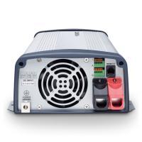 A  DometicSinePower  MSI1824T  szinusz   inverter hálózati pioritás áramkörrel 24 V egyenfeszültségből képez 230 V váltófeszültséget, így autóba, lakókocsiba, lakóautóba, kamionokba célszerű eszköz. Használható telefonok, kamera töltők, notebook, kisebb tévé, DVD lejátszó, Playstation és akár nyomtatóhoz is. A hálózati pioritás kapcsoló, ha külső hálózati feszültséget érzékel, akkor lekapcsolja az akkumulátoros táplálást.     A Dometic szinusz  inverter 1800 W tartós és 3200 W csúcsteljesítmény produkálására képes. Bemeneti csatlakozása színjelölt kábelszorító segítségével történik. A kimeneti jelalak szinusz (harmonikus torzítás < 3%), valamint kimeneti frekvencia 50/60 Hz, amely kapcsolható.  Az akkuőr funkció 22 V tápfeszültség alatt figyelmeztető jelzést ad, majd 21 V tápfeszültség alatt kikapcsol, 25 V tápfeszültség felett újra üzembe lép. Túlfeszültség esetén 32 V felett kikapcsol, azután 29 V tápfeszültség alatt visszakapcsol, így a készülék hosszú élettartama biztosítva van. A hűtésért hűtőbordás ház és ventilátor felel.