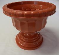 Terrakotta  színű, műanyag   görög váza   . Az átmérője 340 mm.