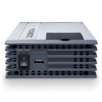 A  DometicSinePower   MSI224     szinusz    inverter   24 V egyenfeszültségből 230 V váltófeszültséget képez, ez által autóba, teherautókba, lakókocsiba, lakóautóba kifejezetten praktikus eszköz a  230 V- os  készülékek számára. Telefonok, kamera töltők, notebook, kisebb tévé, DVD lejátszó és akár nyomtató is csatlakoztatható rá.   A Dometic szinusz   inverter   150 W tartós és 300 W csúcsteljesítmény produkálására képes. Üzemeltetése,  bemeneti csatlakozása szivargyújtó dugó n keresztül történik. A kimeneti jelalak szinusz, valamint a kimeneti frekvencia 50 Hz. Az akkuőr funkció 22 V tápfeszültség alatt kikapcsol, továbbá 30 V fölött is így reagál a túlfeszültség védelem által.   A Dometic szinusz   inverter   túlterhelés-, rövidzár- és polaritás védelemmel ellátott, ezzel is a készülék hosszú élettartamát növeli.   A hűtésért hűtőbordás ház és ventilátor felel.