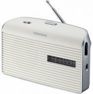 A  Grundig MUSIC-60W fehér táskarádió   24 cm széles, 14 cm magas és 7 cm hosszú. Méretéből adódóan könnyedén magával viheti a kertbe, vagy nyaraláshoz, kempingezéshez.    Frekvenciaszabályozása automatikus, FM / AM rádió. Hálózatról vagy telepről is üzemeltetheti, 4 x 1,5 V. A rádióhoz  fejhallgatót  is csatlakoztathat.