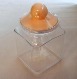 Szögletes műanyag fűszertartó , aromazáró 1 l