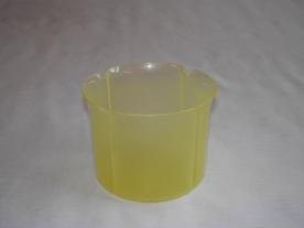 Virágtartó kaspó, szirom formájú, 13 cm, átlátszó, sárga műanyag