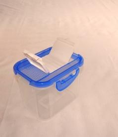 Fűszertartó szóró tetővel, kék műanyag 1 kg