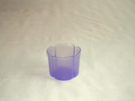 Virágtartó kaspó, szirom formájú, 8 cm, lila műanyag