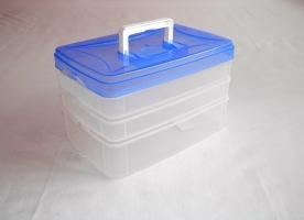 Csatos, füles műanyag szendvicstartó doboz 2x0,75+1,5 l