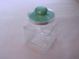 Szögletes műanyag fűszertartó , aromazáró 6 dl