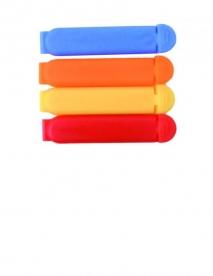 Kicsi műanyag zacskócsipesz, vegyes színben
