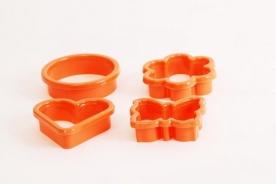 4 db-os műanyag süteményszaggató zsugorfóliában