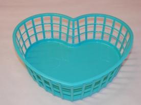 Szív alakú műanyagkosár kicsi (vegyes színekben)