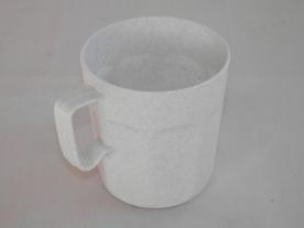 Műanyagbögre 2 dl fehér