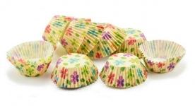Muffinpapír krémszínű virágos 100 db, kicsi (72101-8)